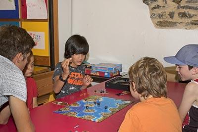 Activité club enfants au village Chadenas à Embrun