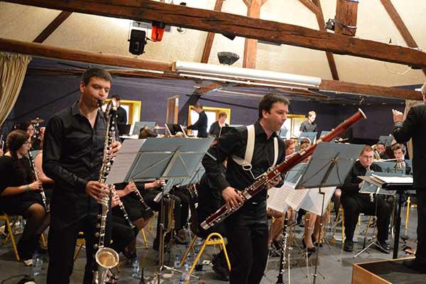 Groupe d'orchestre au village Chadenas à Embrun