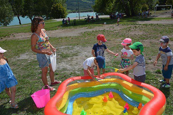 Activité enfant pêche aux canards