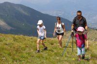 Randonnée en famille à la montagne
