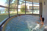 Bain espace détente avec vue sur le lac de Serre-Ponçon au village le Chadenas