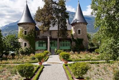 château de picomtal
