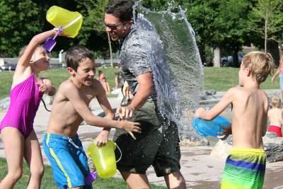 jeux d'eau en famille